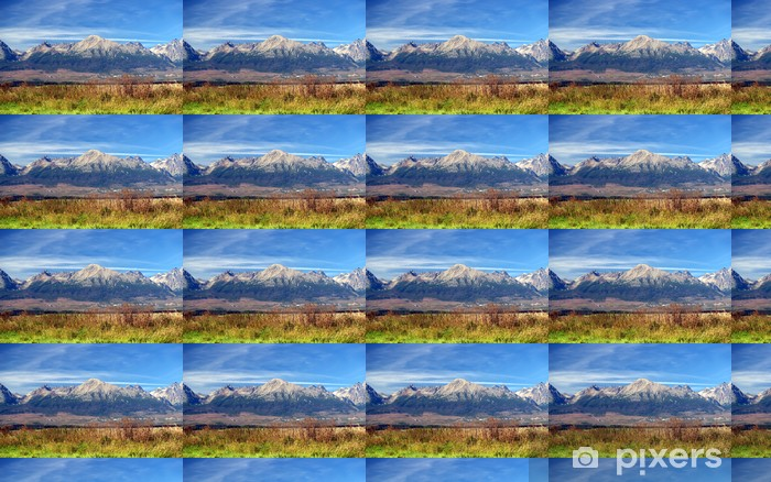 Papier peint vinyle sur mesure Une vue sur les montagnes Tatra en été, en Slovaquie. - Montagne