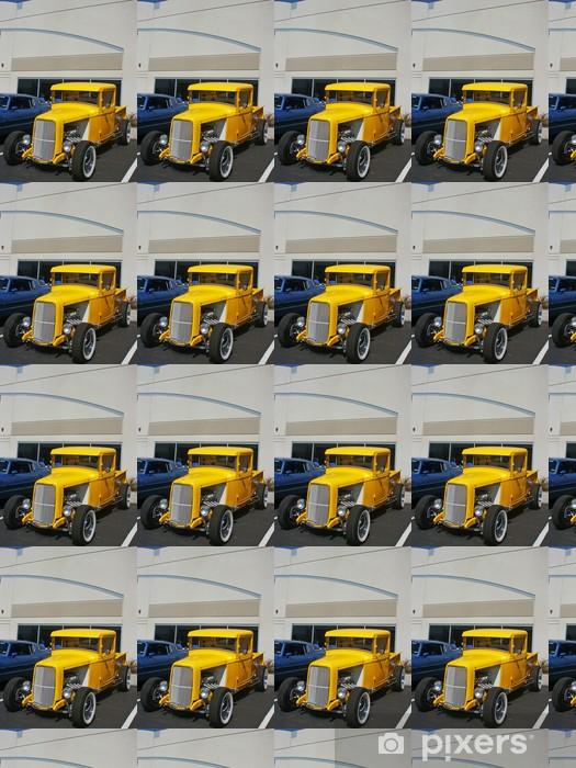 Papier peint vinyle sur mesure Camion jaune de hotrod - Sur la route