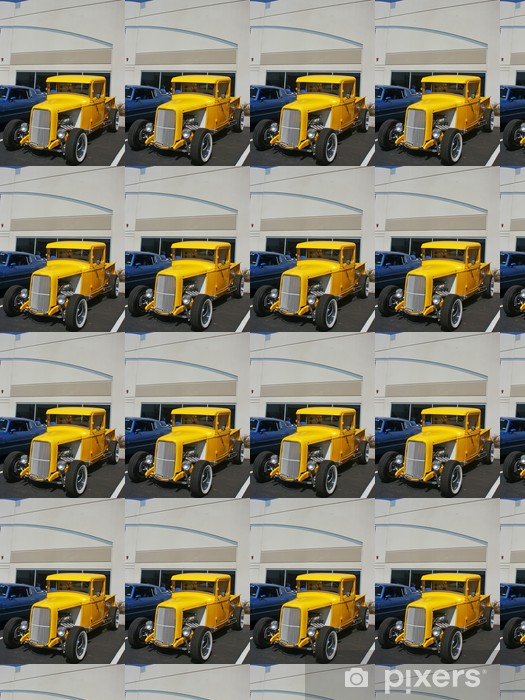 Tapeta na wymiar winylowa Yellow hotrod truck - Transport drogowy