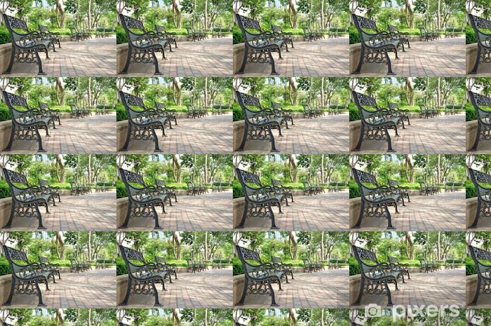 Carta da parati in vinile su misura Panchina di ferro nel parco, a Bangkok in Thailandia - Vacanze