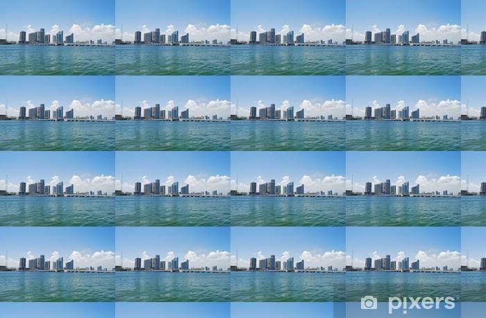 Vinylová tapeta na míru Venetia Causeway padacím mostem a Miami výškové budovy - Amerika