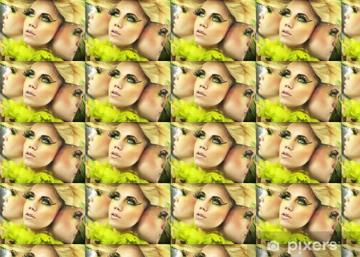 Papier peint vinyle sur mesure Portrait multiple d'une jolie blonde - Femmes