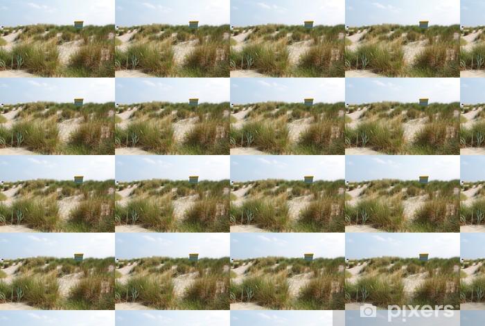 Papier peint vinyle sur mesure Chaises de plage dans les dunes de sable - Eau