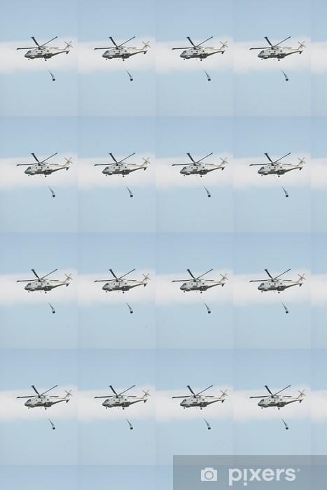 Papier peint vinyle sur mesure Merlin hélicoptère de levage Cargo contre le ciel bleu - Dans les airs