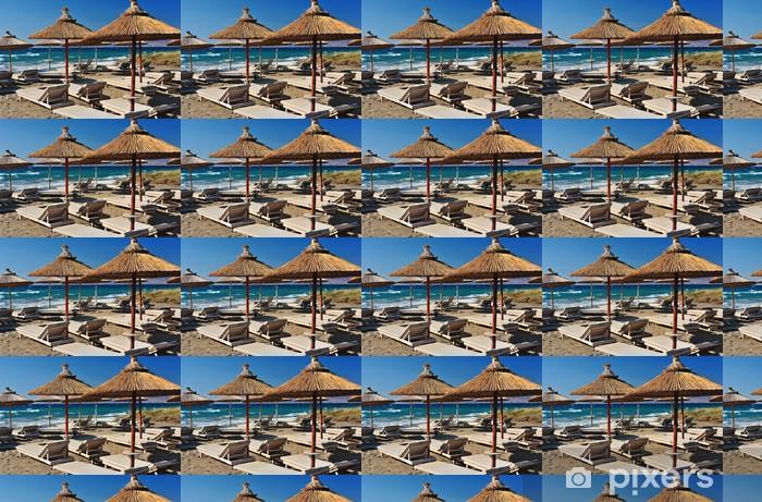 Vinyltapete nach Maß Strand mit Schilf Sonnenschirmen - Wasser