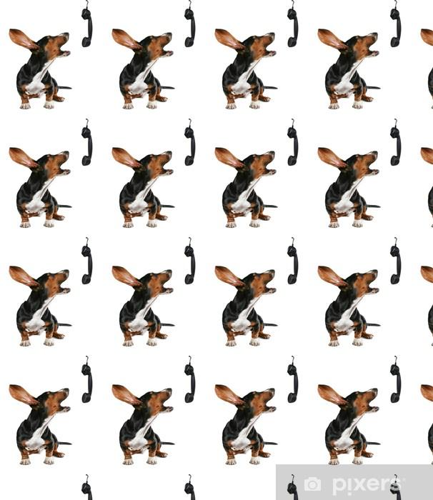 Papier peint vinyle sur mesure Un chien qui hurle au téléphone - Concepts