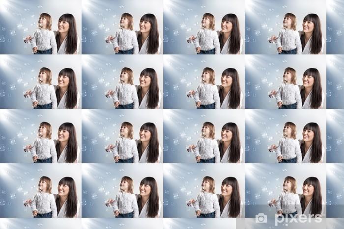 Vinyltapete nach Maß Portrait eines frohen Mutter und ihre Tochter lächelnd - Familienleben