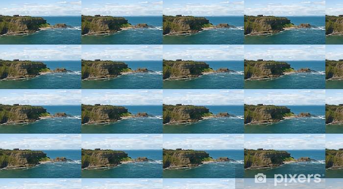 Papier peint vinyle sur mesure Вид на берег моря со стены замка Танталлон (Шотландия) - Europe