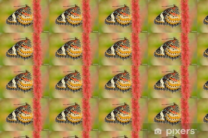 Papier peint vinyle sur mesure Papillon sur une fleur rouge - Saisons