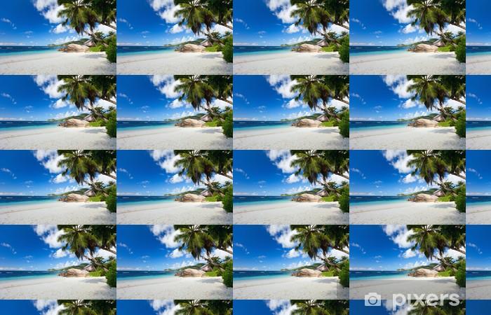 Vinylová tapeta na míru Idylické pláže na Seychelách - Prázdniny