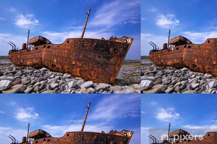 Vinyltapete Fracht-Schiff war während eines Sturms vor der Küste Schiffbruch - Themen