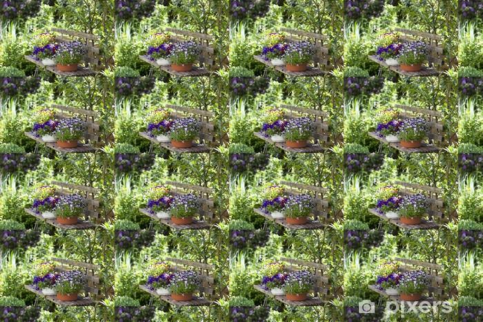 Vinyltapete nach Maß Holzbank mit Blumentöpfen in einem wilden Garten. - Private Gebäude