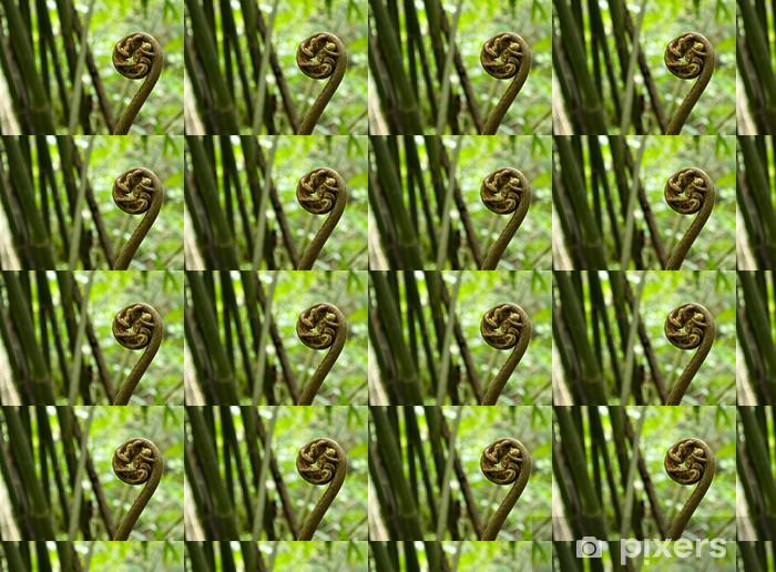 Papier peint vinyle sur mesure Close-up de crosses de fougère fougère dans la forêt tropicale de Tahiti - Plantes