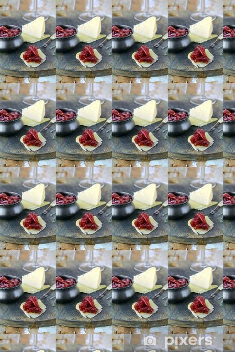 Papier peint vinyle sur mesure Cuisine française - confiture d'oignon sur table en bois - Repas