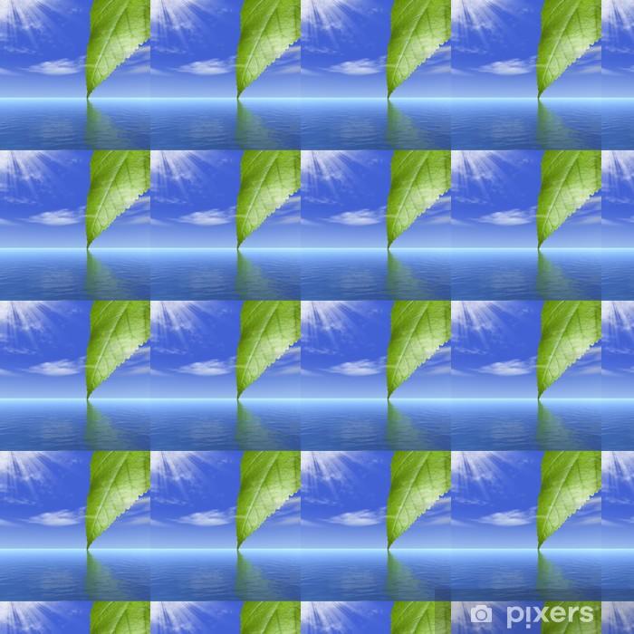 Vinyltapete nach Maß Reflexion von einem Blatt eines Baumes hinter Wolken in Wasser - Himmel