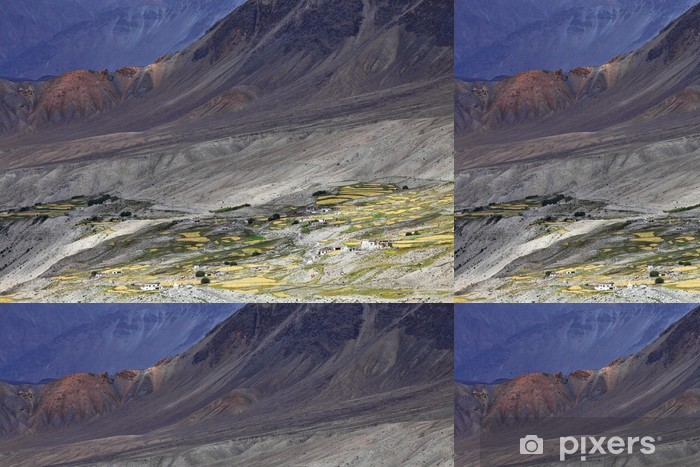 Vinyltapet Himalaya-oasen - Ladakh, Jammu og Kashmir, India -