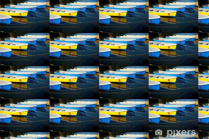 Papier peint vinyle sur mesure Rangée de bateaux bleus et jaunes colorés - Bateaux
