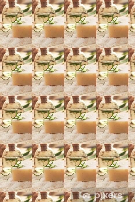 Tapeta na wymiar winylowa Ustawienie Spa z sól do kąpieli i wody kwiatowej -