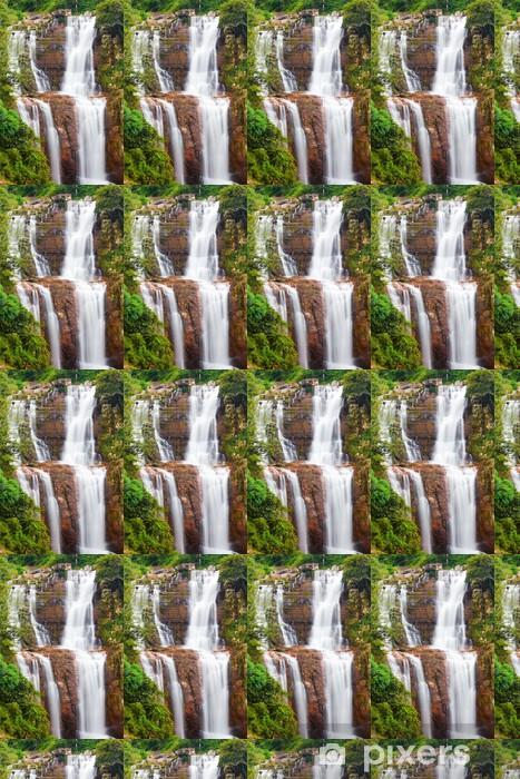 Papier peint vinyle sur mesure Chute d'eau dans les montagnes de Ceylan - Autres