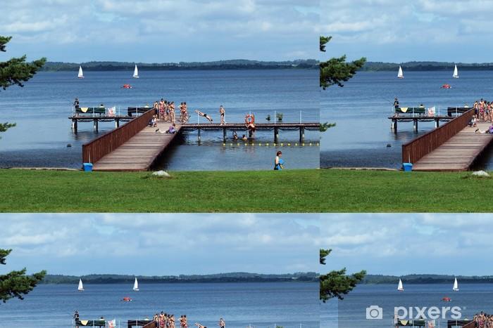 Vinylová Tapeta Molo na jezeře, plachetnic a les. Mazurská jezera District - Voda