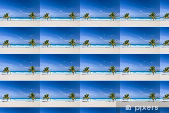 Papier peint vinyle sur mesure Deux palmiers sur la plage tropicale, République dominicaine - Nature