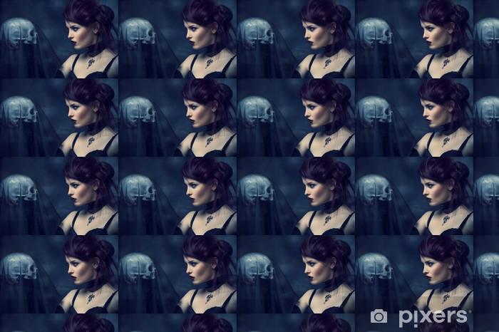 Vinyl behang, op maat gemaakt Jonge alternatieve vrouw met een schedel. - Schoonheid en Lichaamsverzorging