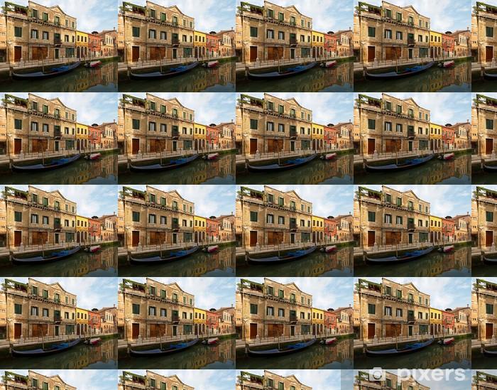 Papier peint vinyle sur mesure Canal avec gondole sur l'île de Murano, près de Venise. - Villes européennes