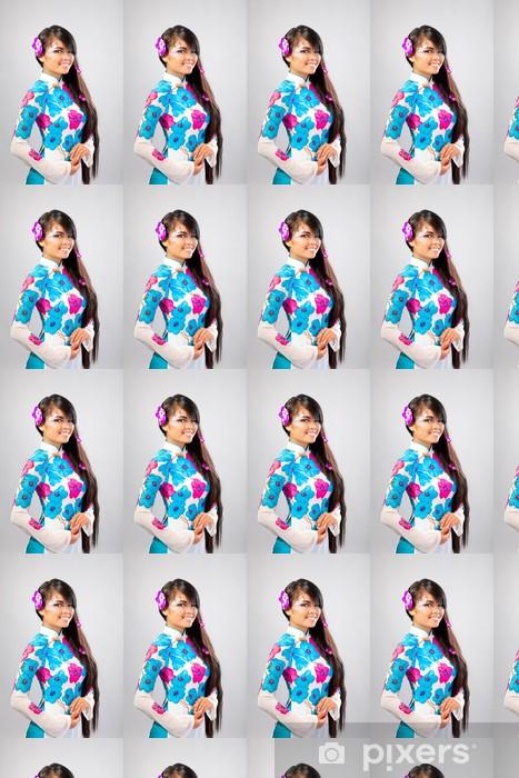 Papier peint vinyle sur mesure Belle femme asiatique porte une robe nationale - Femmes