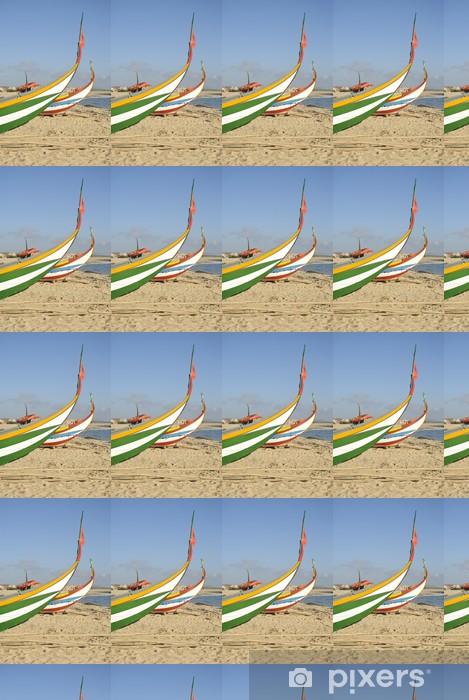 Papier peint vinyle sur mesure Bateau de pêche typique portugaise sur la plage, Espinho, Portugal - Europe