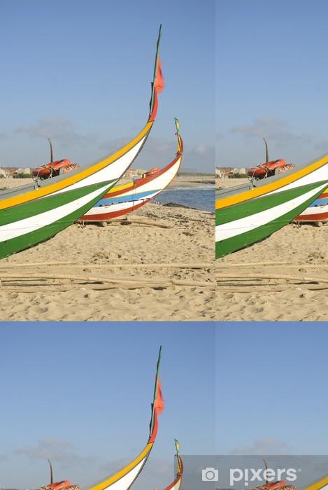 Papier peint à motifs vinyle Bateau de pêche typique portugaise sur la plage, Espinho, Portugal - Europe