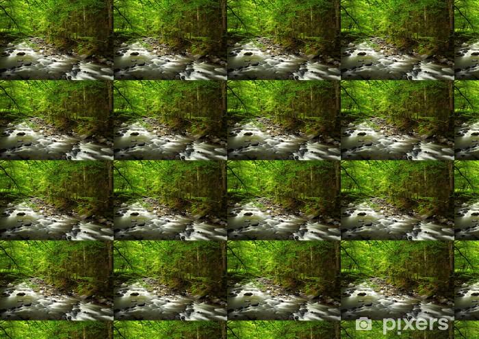 Vinyltapete nach Maß Mountain River in den Wald - Themen