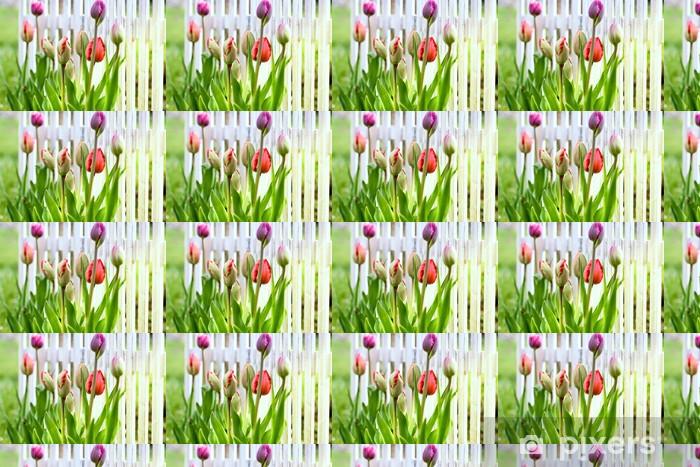 Papier peint vinyle sur mesure Tulipes dans la cour avant - Saisons