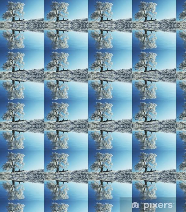 Papier peint vinyle sur mesure Seul arbre gelé - Styles