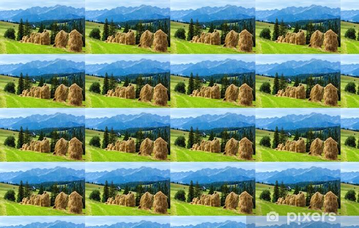 Papier peint vinyle sur mesure Vue sur la campagne de montagne d'été - Thèmes