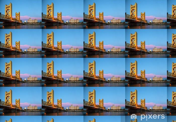 Vinylová tapeta na míru Golden Gates padací most ve městě Sacramento - Amerika