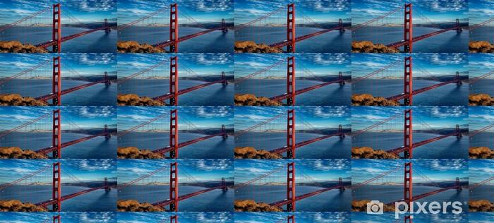 Papier peint vinyle sur mesure Vue panoramique sur le célèbre Golden Gate Bridge - Villes américaines