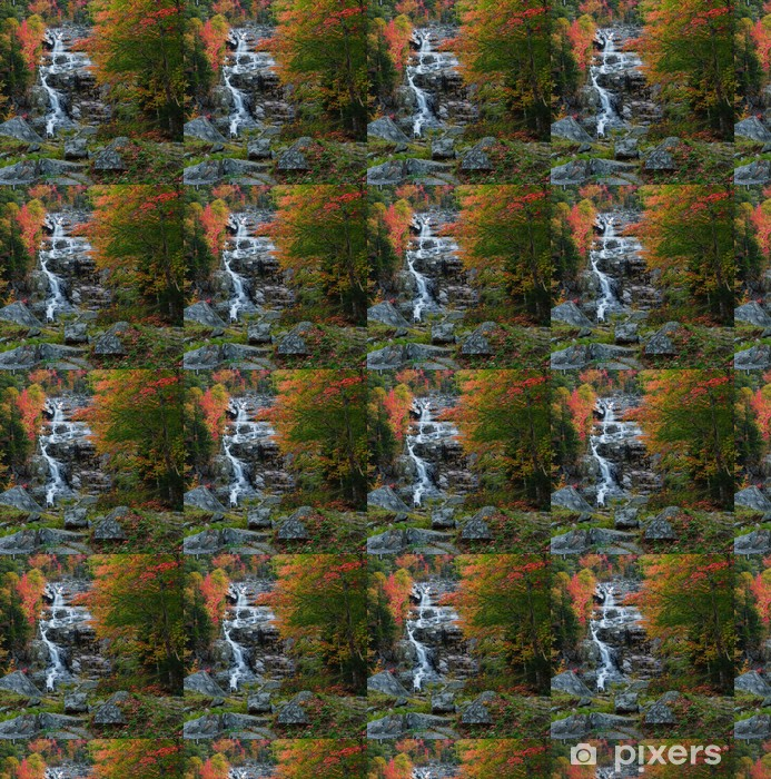 Vinylová tapeta na míru Krásné kaskády a na podzim listí. - Témata