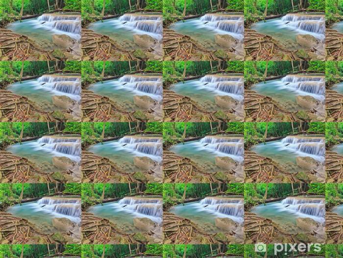 Vinylová tapeta na míru Krásný vodopád v národním parku v Thajsku - Asie