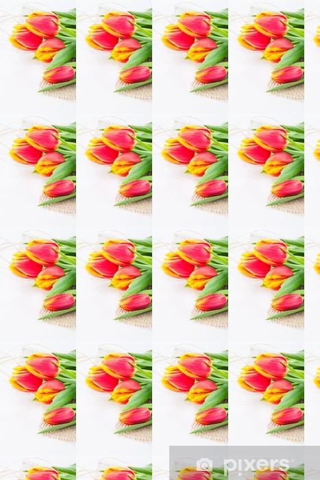 Papier peint vinyle sur mesure Beau bouquet de rouge - tulipes jaunes - Fêtes internationales