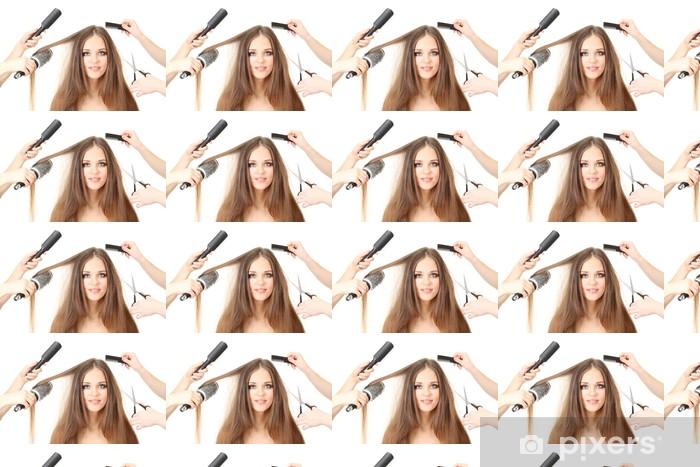 Tapeta na wymiar winylowa Kobieta z długimi włosami w salonie piękności, na białym tle - Przeznaczenia