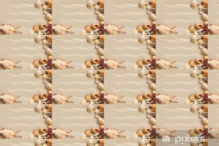 Papier peint vinyle sur mesure Coquillages avec du sable comme toile de fond - Saisons