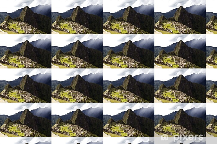 Vinyltapete nach Maß Dunkle Wolken ziehen über verlorene Inka-Stadt Machu Picchu in Peru - Themen