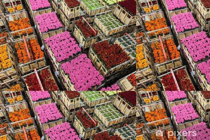 Papel Pintado Estándar Las cajas con flores y plantas en una subasta de flores - Agricultura