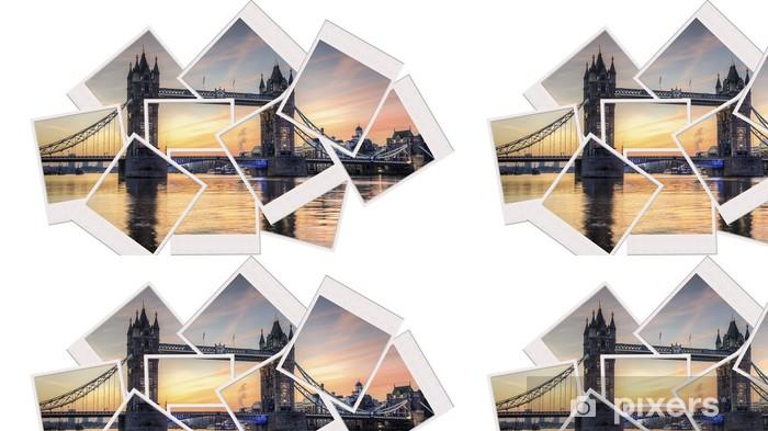 Vinylová Tapeta Tower bridge při východu slunce polaroid koláž - Evropská města