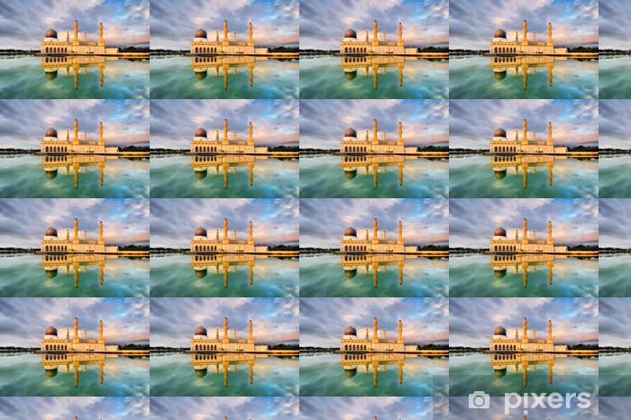 Papier peint vinyle sur mesure Coucher de soleil lumière réfléchie sur Kota Kinabalu Ville-mosquée - Bâtiments publics