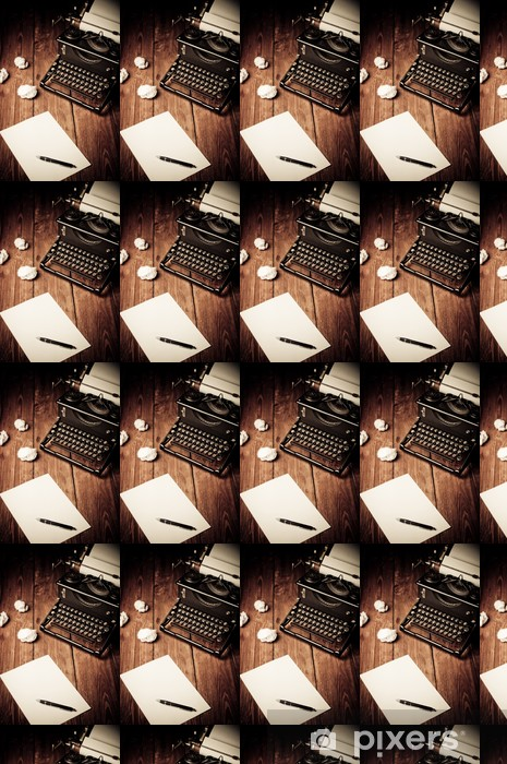 Papier peint vinyle sur mesure Vintage machine à écrire et une feuille de papier vierge, retouche rétro - Machines
