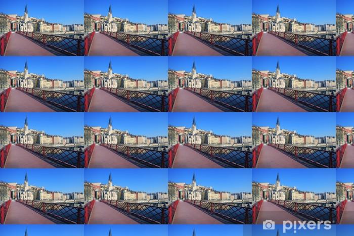 Papier peint vinyle sur mesure Famous vue de la Saône et passerelle rouge dans la ville de Lyon - Europe