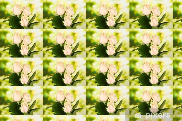 Tapeta na wymiar winylowa Piękne róże, na jasnym tle - Kwiaty