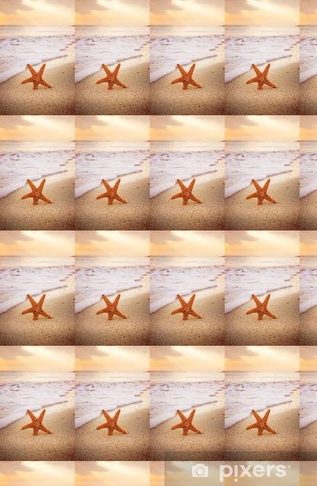 Carta da parati in vinile su misura Starfish sulla spiaggia - Texture