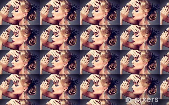 Papier peint vinyle sur mesure Beau modèle avec la mode de maquillage - Femmes